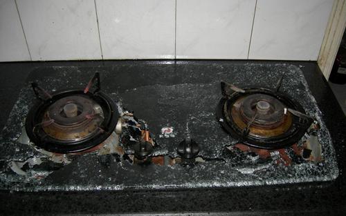 钢化灶具爆炸多可怕?什么原因钢化燃气灶具爆炸?