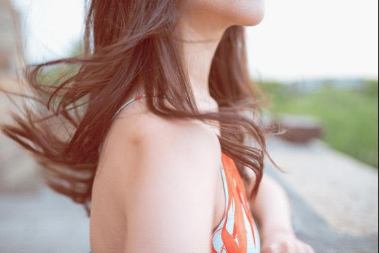 珍颜萃洗发水:活出想要的自我