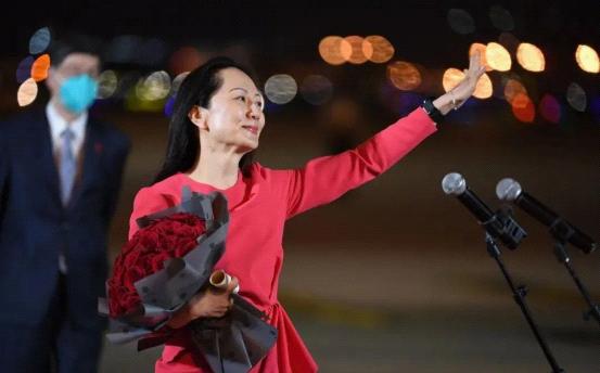 华盈照明:强大的祖国是每个中国人的坚强靠山